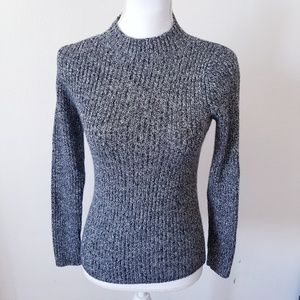Uniqlo Gray Knit turtleneck sweatshirt